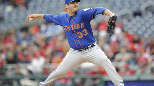 matt-harvey-mets-dark-knight.jpg