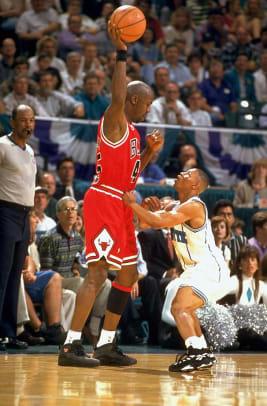 100-Michael-Jordan-bogues-05187796.jpg
