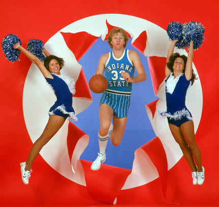 1977-1101-Larry-Bird-Indiana-State-cheerleaders-079004077.jpg