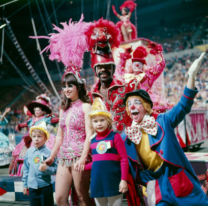 1975-Ringling-Bros-Barnum-Bailey-Circus-090005094.jpg