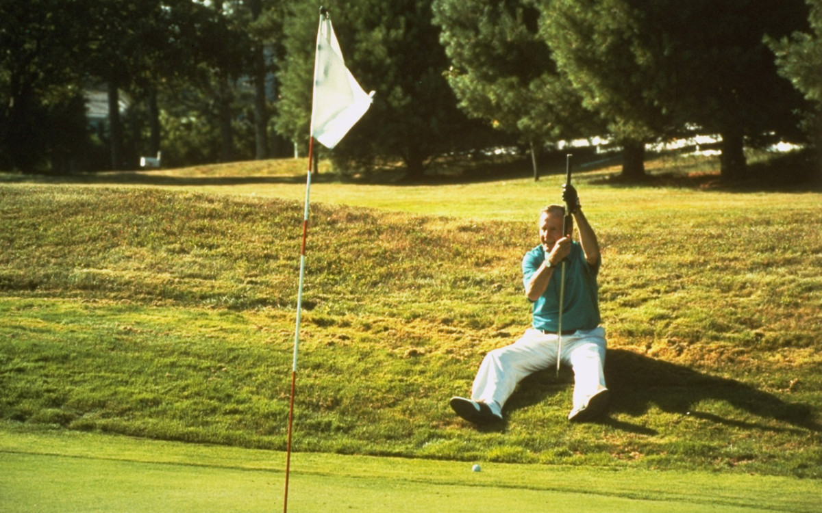 george-bush-golf.jpg