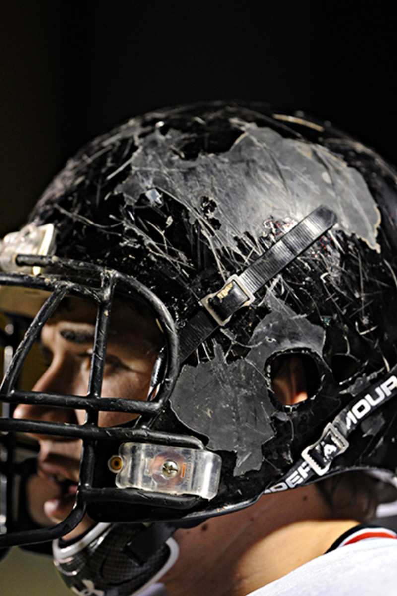 concussion-helmet-2010.jpg