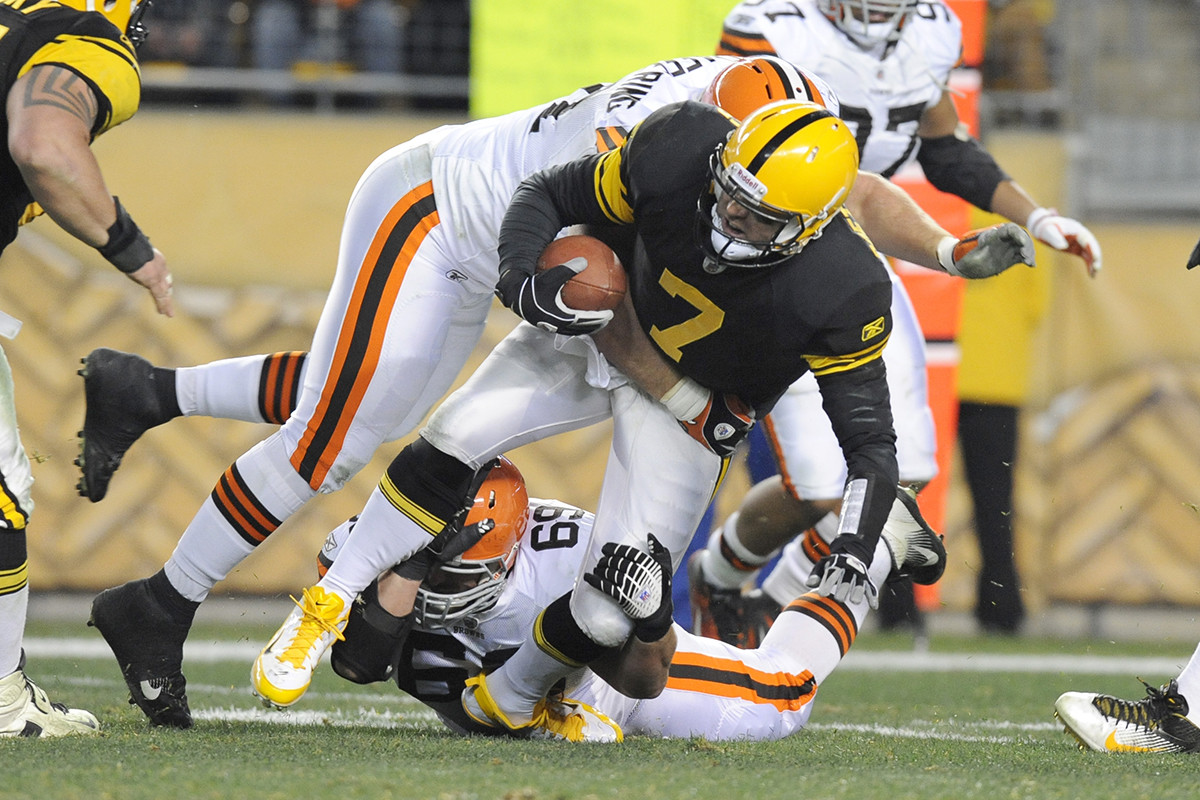 browns-steelers-football.jpg
