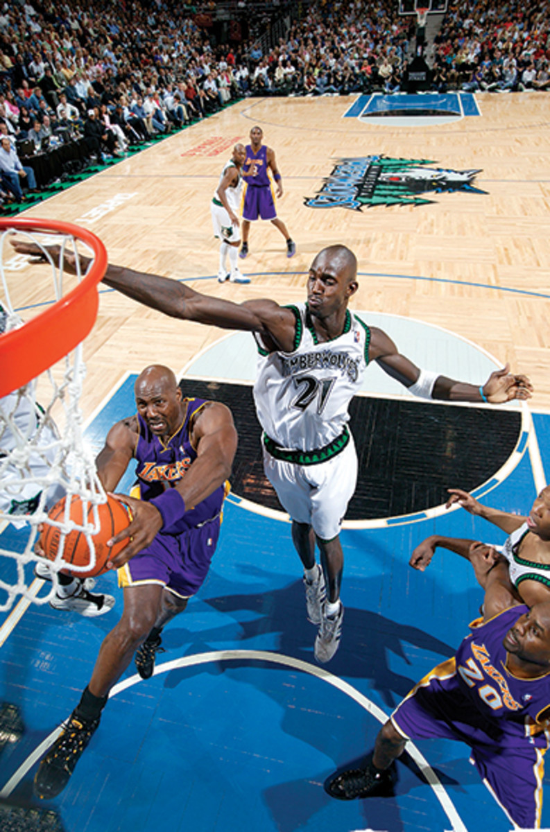 kg-timberwolves-lakers-2004.jpg